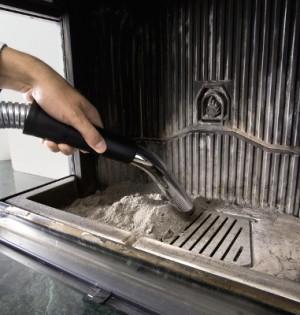 Drei Tipps zum Reinigen von einem Kaminofen