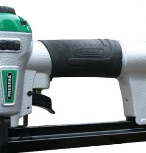Der Druckluftnagler DNPF16 hat die identischen Klammer und das selbe Einsatzgebiet wie die anderen Handheftgeräte im Programm von Prebena. Er ist jedoch mit Druckluft.