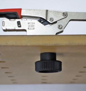 BESSEY-1-Adapter-mit-Schnellspanner-auf-Tisch-1