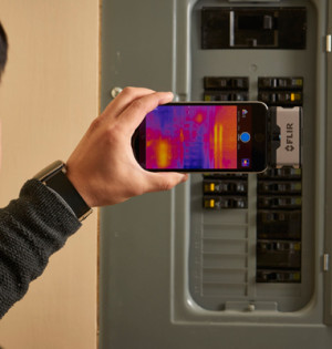 FLIR-ONE-electrical