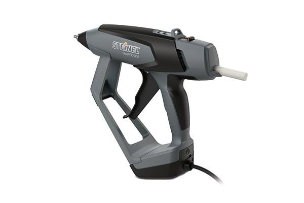 STEINEL PROFESSIONAL – Die ergonomisch geformte Profi-Heißklebepistole GluePRO 300 eignet sich ideal für Bodenleger.