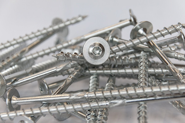 Die Version der TOPIX-Holzbauschraube gibt es im Durchmesser 8 mm und in 13 verschiedenen Längen