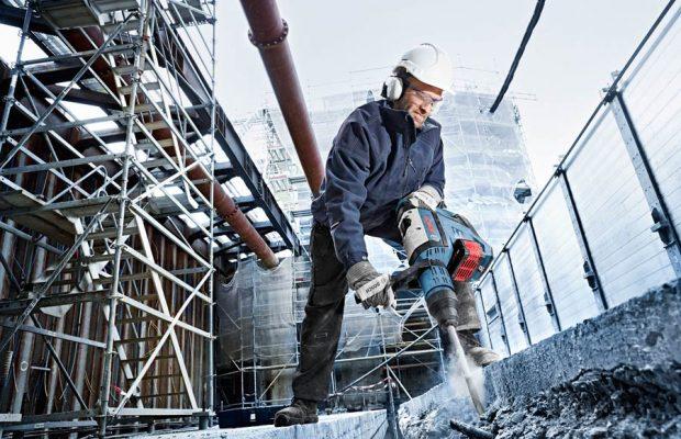 Bis zu zehn Mauerdurchbrüche von 30 Zentimetern in Beton - mit nur einer Akkuladung