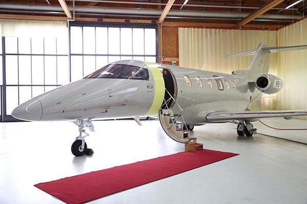 Connova produziert als zertifizierter Partner für die Pilatus Flugzeugwerke AG verschiedene Faserverbundbauteile, die unter anderem in dem Business Jet PC-24 zum Einsatz kommen.