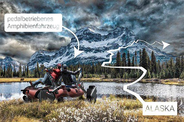 """Die beiden Abenteurer Paul und Hansen Hoepner wollen mit einem selbst konstruierten pedalbetriebenen Amphibienfahrzeug namens """"Urmel"""" quer durch Alaska fahren."""