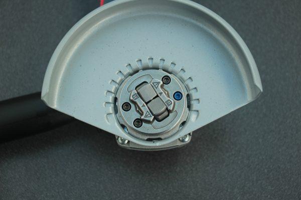 Das X-Lock Aufnahmesystem. Der Zubehörwechsel erfolgt innerhalb von Sekunden mit nur einem Klick – werkzeugfrei