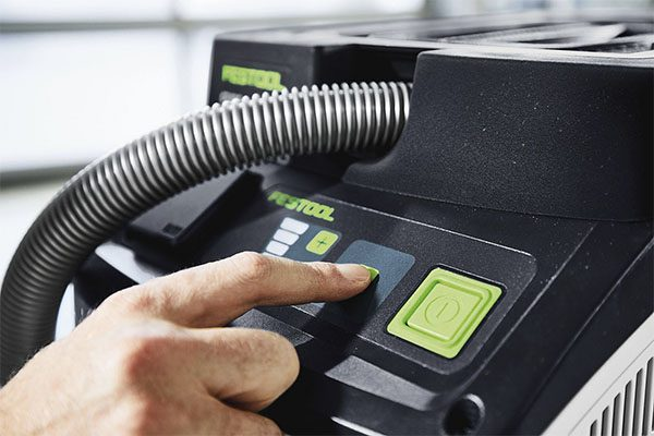 Touch-Bedienung zur Steuerung des Absaugmobils