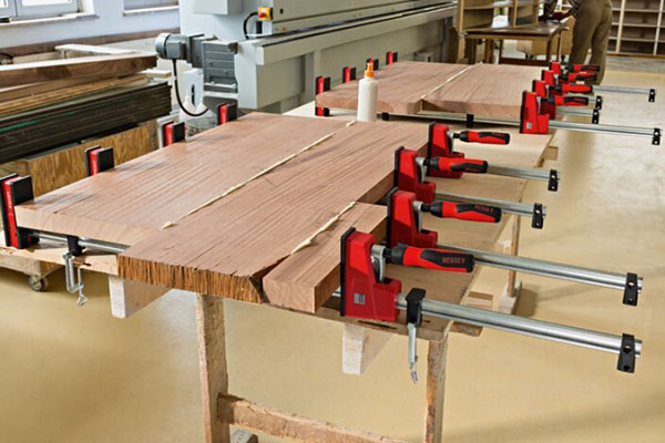 Korpuszwinge REVO 2.0 auf der Holz-Handwerk 2020