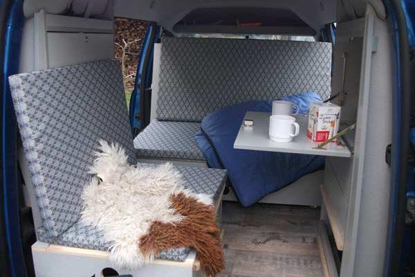 Campingvan Wohnraum & Tisch