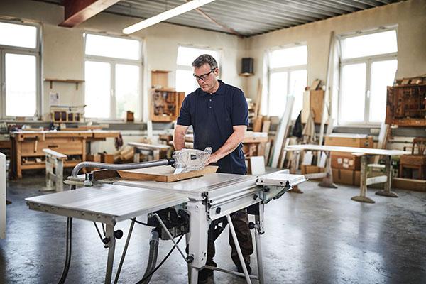 Tischkreissäge TSK 80 mit der SawStop-Technologie auf der Holz-Handwerk 2020