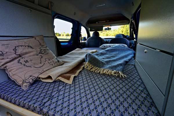 Campingvan Wohnraum Campingeinrichtung