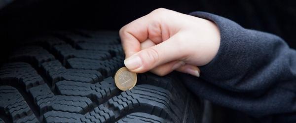 Profiltiefe messen mit 1-Euro-Münze