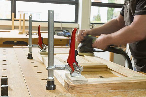TW16AW_work_man_wood_grinding_1__100