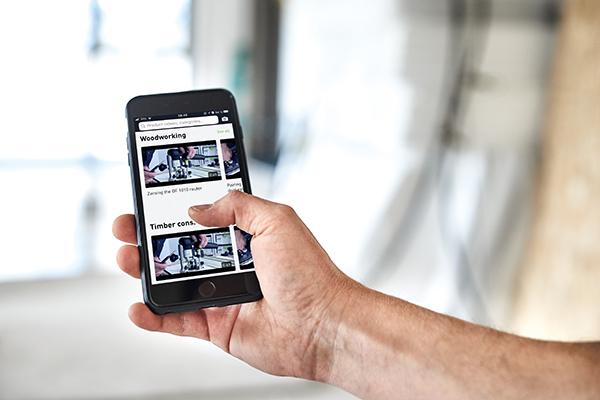 Auswahl der Videos über eine strukturierte Produktübersicht.