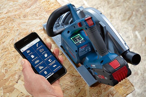 Mehrwert durch User Interface und Connectivity-Funktionen: Akku-Handkreissäge GKS 18V-68 GC Professional