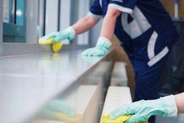 """Coronavirus-Infektion kann als Berufskrankheit oder Arbeitsunfall anerkannt werden. / Weiterer Text über ots und www.presseportal.de/nr/60172 / Die Verwendung dieses Bildes ist für redaktionelle Zwecke honorarfrei. Veröffentlichung bitte unter Quellenangabe: """"obs/BG BAU Berufsgenossenschaft der Bauwirtschaft/Wolfgang Bellwinkel/ DGUV."""""""
