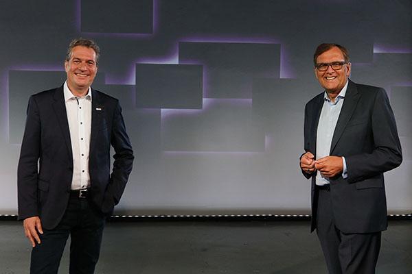 Dr. Christoph Weiß, CEO FEIN Gruppe (rechts), Henk Becker, Vorsitzender des Bereichsvorstands von Bosch Power Tools (links).